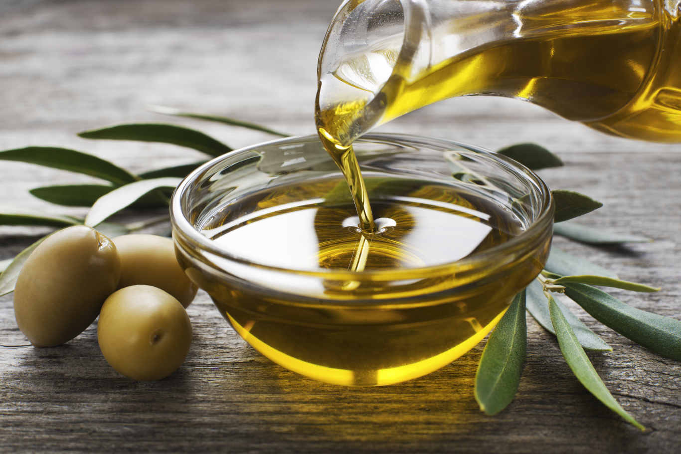 Extra Virgin Olive Oil: Your Secret Weapon Against Cholesterol